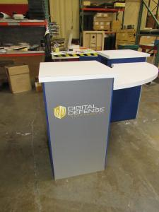 DI-660 (DI-662) Portable Pedestal with Curved Counter Top and Locking Storage